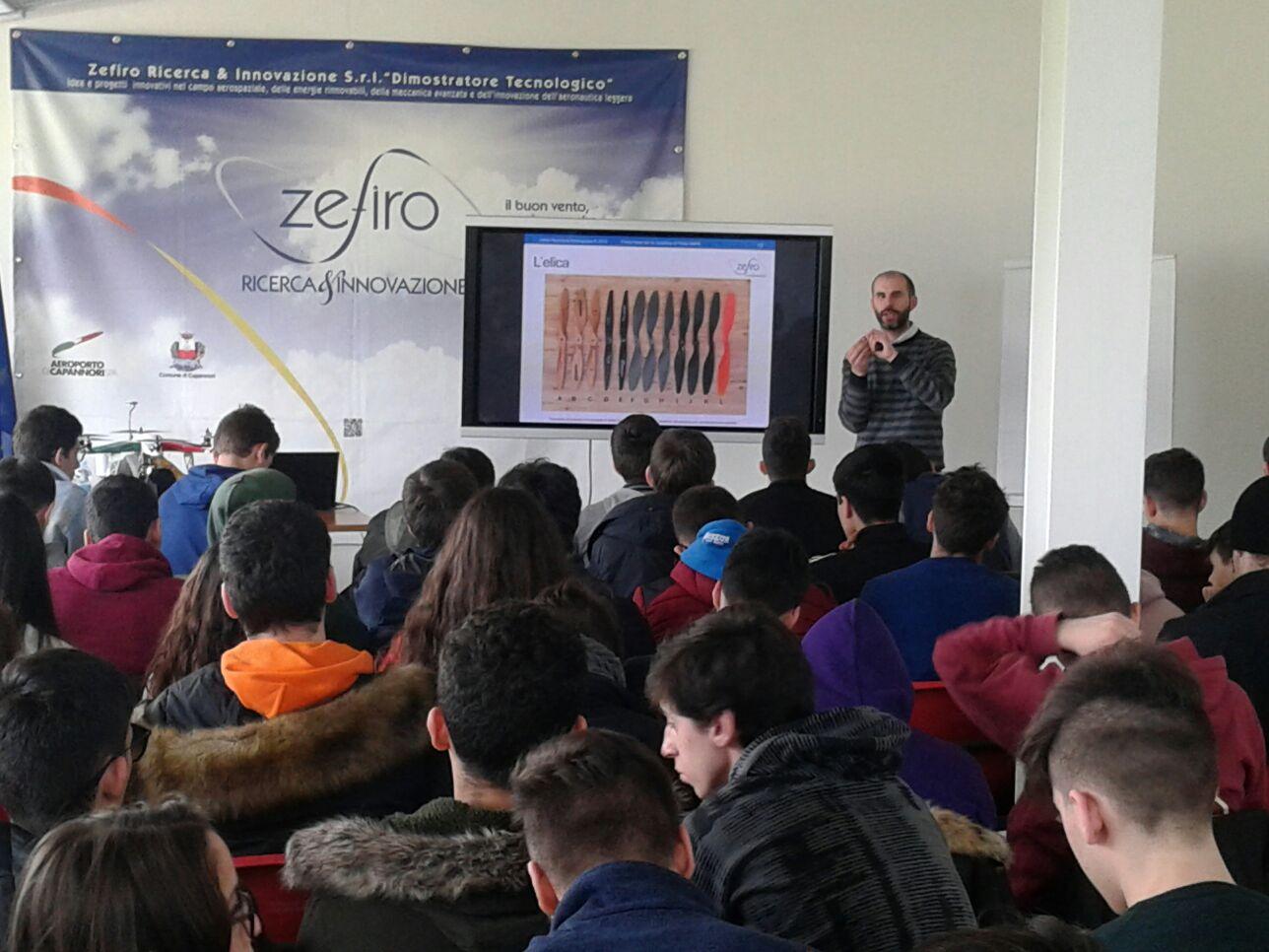 A scuola di droni a Capannori con i voucher della Regione Toscana. Un progetto dell'Agenzia Formativa Formatica in collaborazione con Zefiro Ricerca&Innovazione